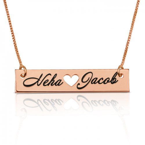 bar necklace with two names & heart in the middle, in rose gold plating