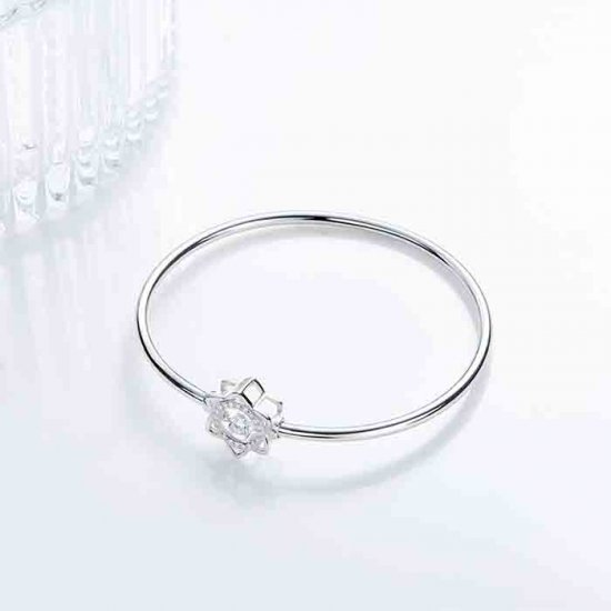 Sterling silver dancing stone bangle