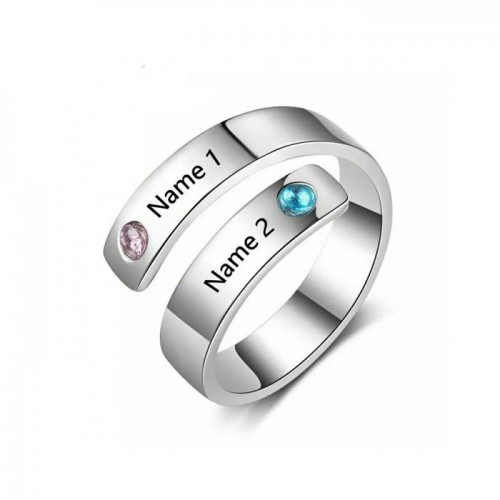engraved spirale ring with cubic zirconia