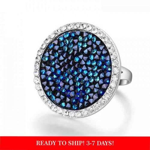 Impressive ring embellished with Crystals From Swarovski